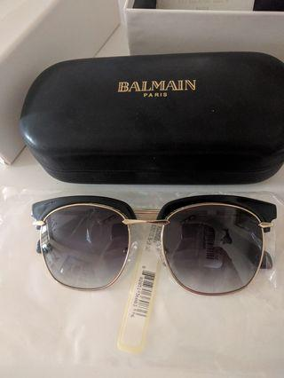 Balmain Bl2502 Cat Eye Gold Wayfarer sunglasses