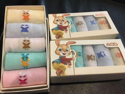 🚚 童襪一盒五雙/4月24旋轉免郵日唷!