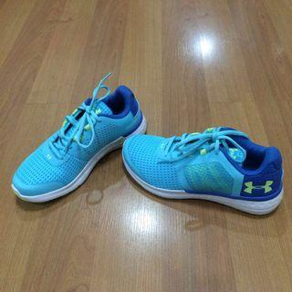 New:Under Armour blue rubber shoes