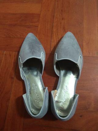 韓款 新 平底尖頭女鞋 230碼 灰色