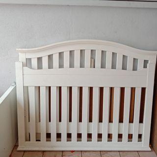 HIGH QUALITY MERANTI WOOD BABY COT
