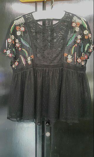 ZARA embroidery top