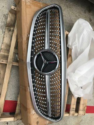 Brand New Mercedes Benz C Class W205 Shooting Star Diamond front grille w cowling
