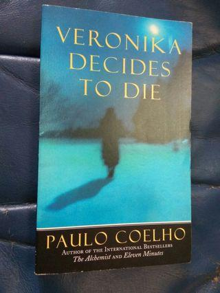 英文小說 Veronika Decides to Die