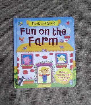 Peek and Seek Fun On The Farm Flap Book