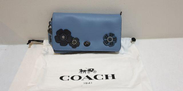 🚚 Coach Sling Bag