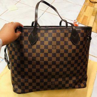 faf6b2cfc9f6 Louis Vuitton Neverfull MM