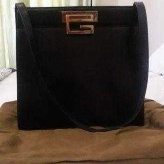 Auth Gucci full leather