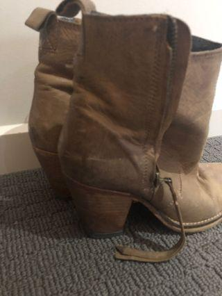 Leather ankle boots brown Tony Bianco