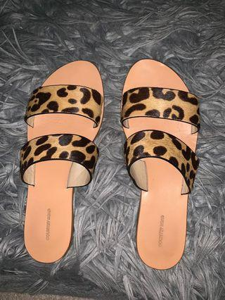 Country Road Leopard Print Sandles