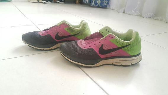 Nike Pegasus Sport Shoes