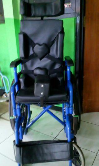 Kursi roda dan tempat duduk modif