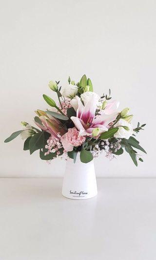 🌟Premium Lily Arrangement Vase