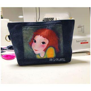 🚚 Cosmetic Pouch with inspired panel