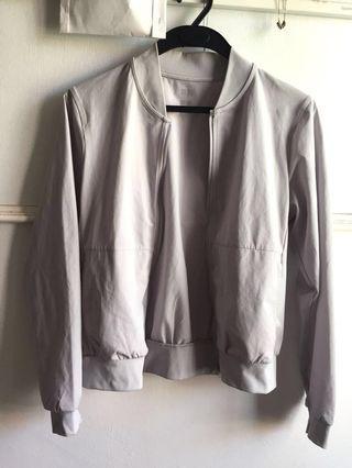 UNIQLO bomber jacket airism silver