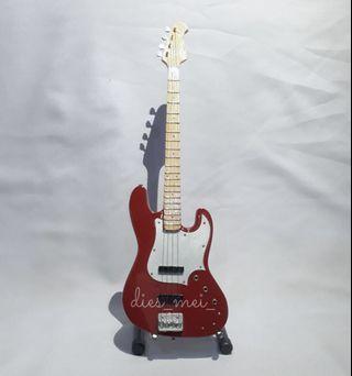 Miniatur Gitar (Bass)