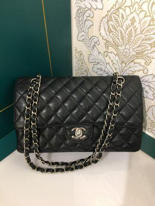 1836ecdbff48a5 #20 Like New Chanel Classic Flap Bag Medium black Caviar with SHW
