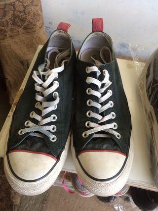 Sepatu Converse list red
