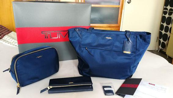 New Tumi woman's travel set (Small M-tote 丶Flap Continental wallet 丶Lesley Cosmetic Case)