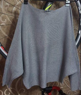 Plus size batwing style top. Can style one side off shoulder