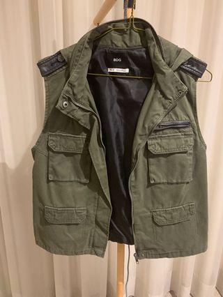 Women's Vest, size M