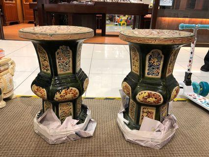 A pair of vintage stools/ plant stands (一对旧椅凳/花盆架)