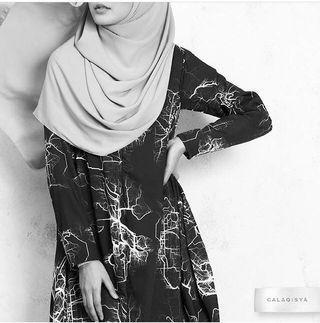 Calaqisya Syifa fishtail printed blouse