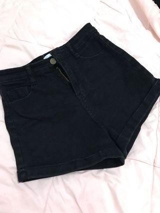 Black Hotpants