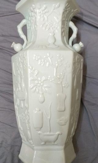 舊中國瓷花瓶。