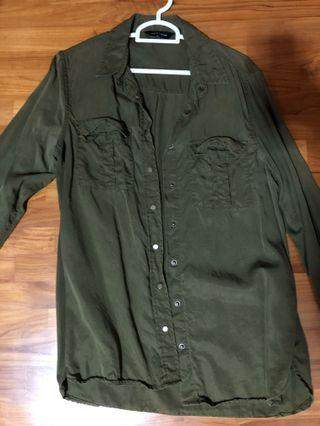 🚚 Army Green Buttoned Down