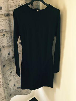 Long sleeve black short dress