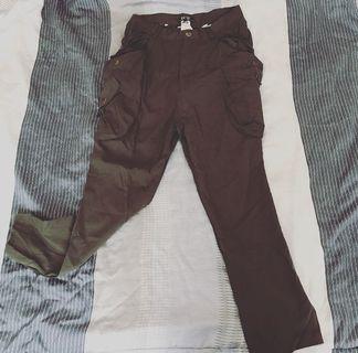 🚚 KB副牌BLUE SALT深墨綠休閒多口袋造型長褲 男生s #半價衣服拍賣會