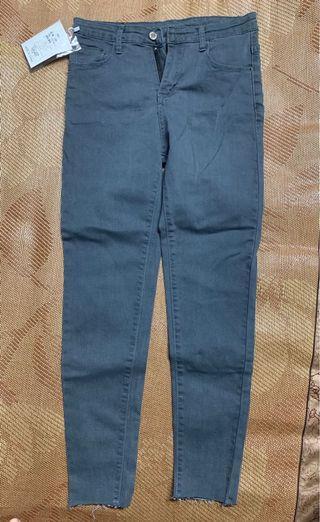 🚚 牛仔褲(黑灰色)