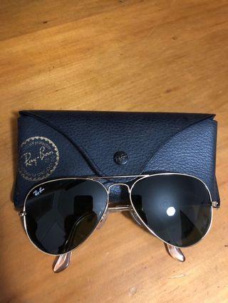 Authentic Ray-Ban Classic Aviator Sunglasses RRP $199.95