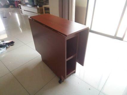 Foldable Table (meja lipat)