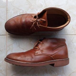 Sepatu Tods Chukka Boots Authentic size 7