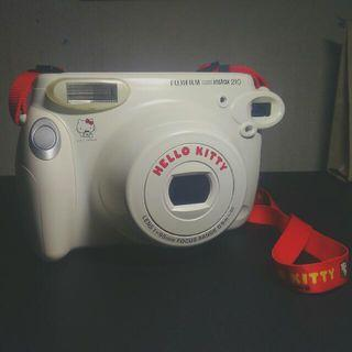 FUJIFILM INSTAX 210 WIDE HELLO KITTY LIMITED EDITION