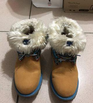 🚚 Timberland 毛毛反摺黃筒女靴