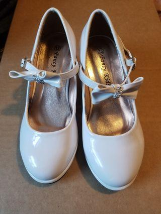 Girl's White Shoes