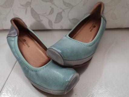 Pretty Leather Shoe