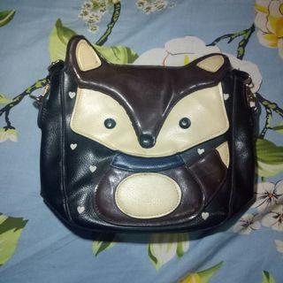 Tas fox bisa juat anak juga sling bag