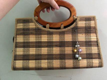 Tas kayu warna coklat