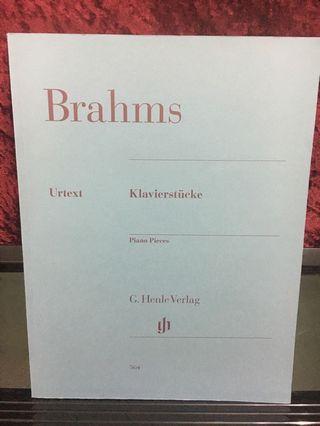 Brahms piano pieces 564