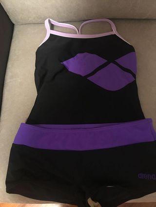 Arena swimsuit 泳衣