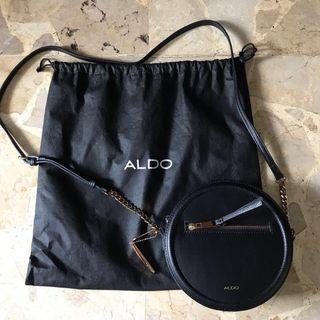 Aldo Round Crossbody With Chains