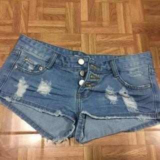 🚚 全新 淺色牛仔短褲 #半價衣服拍賣會