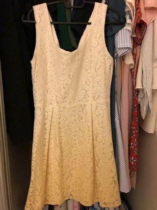 Gradient yellow lace dress