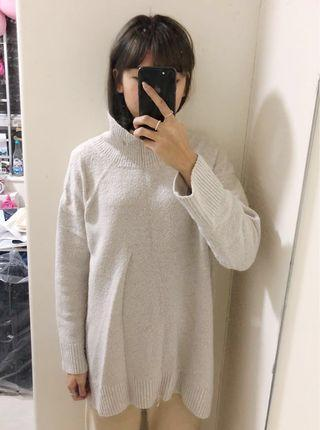 Zara米白色長身針織上衣