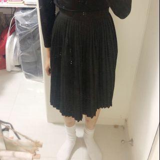 百搭黑色百褶裙