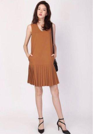 AforArcade Row Call Pleat Hem Midi Dress in Caramel